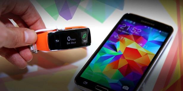 Samsung Galaxy S5 with gear